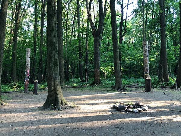 В парке Царицино существует и функционирует настоящее языческое капище.